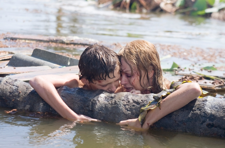Lucas (Tom Holland) and his mother Maria (Naomi Watts) are finally reunited after the wave's struck.